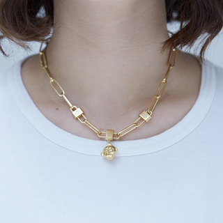 Necklace, long link, gold
